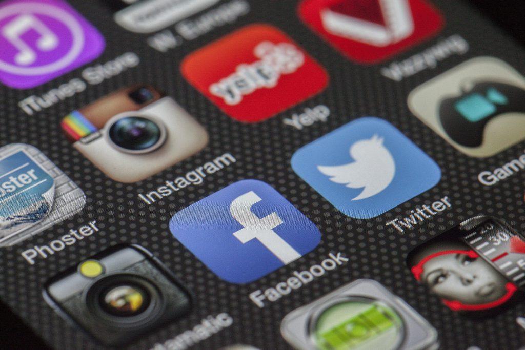 Médiatréning - Online kommunikáció, közösségi média